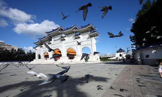 長榮航空台北【農曆新年‧ 預留機位】自由行套票4天(出發日期:2016年2月6、7日)