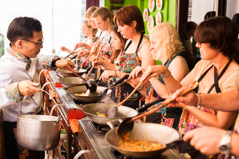 【曼谷 Silom Thai Cooking School 】曼谷好煮意 |半天早上泰菜烹飪班連逛菜市場 | 曼谷自由行套票3-31天