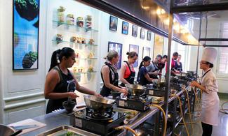 【悠走都市-Blue Elephant Cooking School】曼谷商務自由行套票3-31天(包半天早上泰菜烹飪班連逛菜市場)