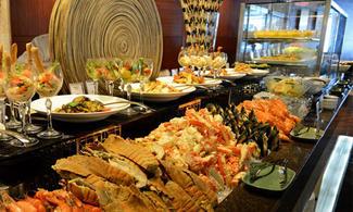 【曼谷Baiyoke Sky酒店76或78樓的享用自助晚餐】高空俯瞰夜景+美食=無得輸!│曼谷自由行套票3-31天