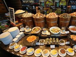 【曼谷索菲特特色酒店自助晚餐】人氣高質自助晚餐(限星期一至五使用)| 曼谷自由行套票3-31天