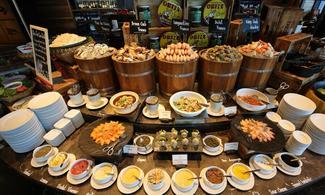 【潮 ‧ 食】包於曼谷索菲特特色酒店 - 紅岩石餐廳享用自助晚餐(限星期一至五) | 曼谷自由行套票3-31天